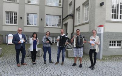 Das Akkordeon in Jazz und Pop, die Melodika und Mundharmonika in der pädagogischen Praxis